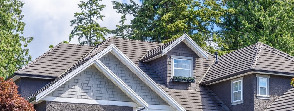 6 warning signs your home needs a new roof | by McMahon Services and Construction of Chicago, Arlington Heights, Berwyn, Des Plaines, Evanston, Grayslake, Mundelein, Libertyville, and Skokie, IL
